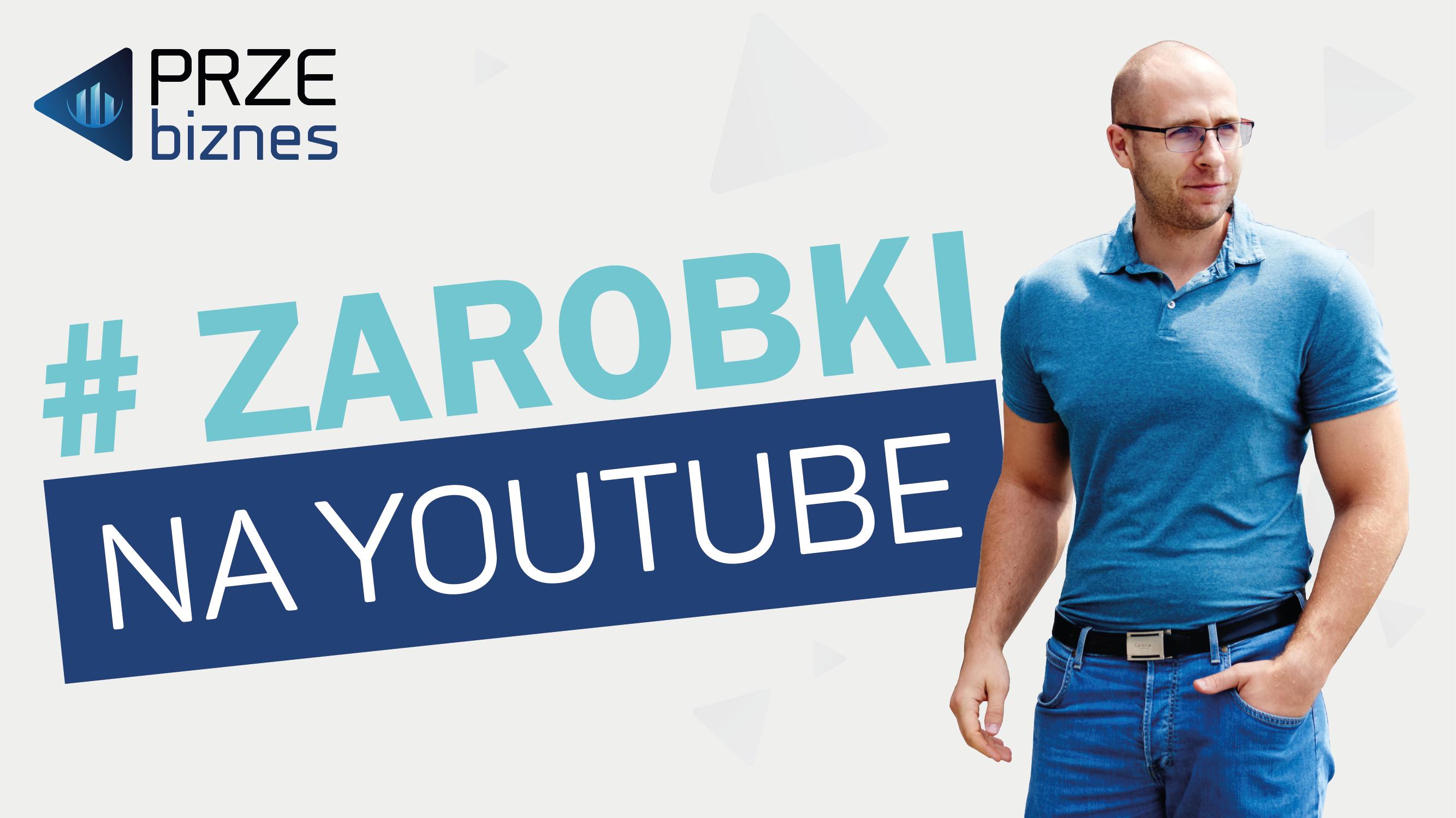 mężczyzna-w-niebieskiej-koszulce-napis-#-zarobki-na-youtube